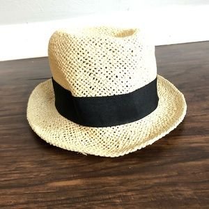 Straw hat with black ribbon size Small/54